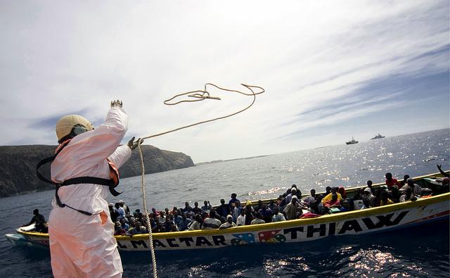 Flüchtlingsboot vor der Insel Teneriffa